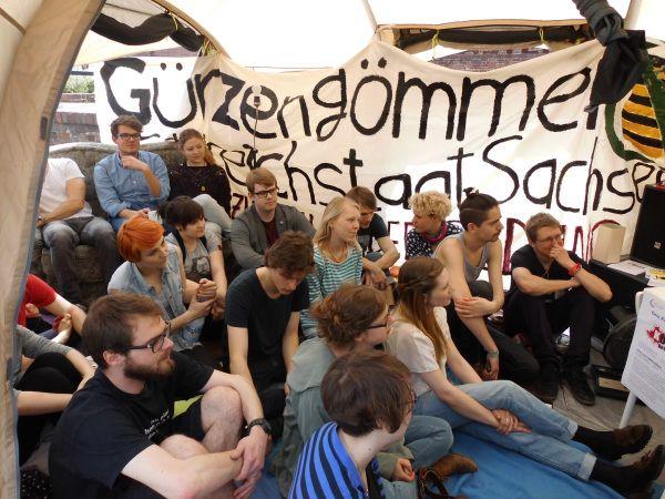 Auftakt zur Dauerlesung. Foto: StuRa Uni Leipzig