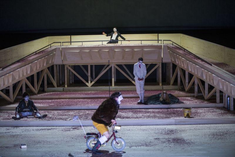 Was ihr wollt. Nationaltheater Weimar. © Kerstin Schomburg
