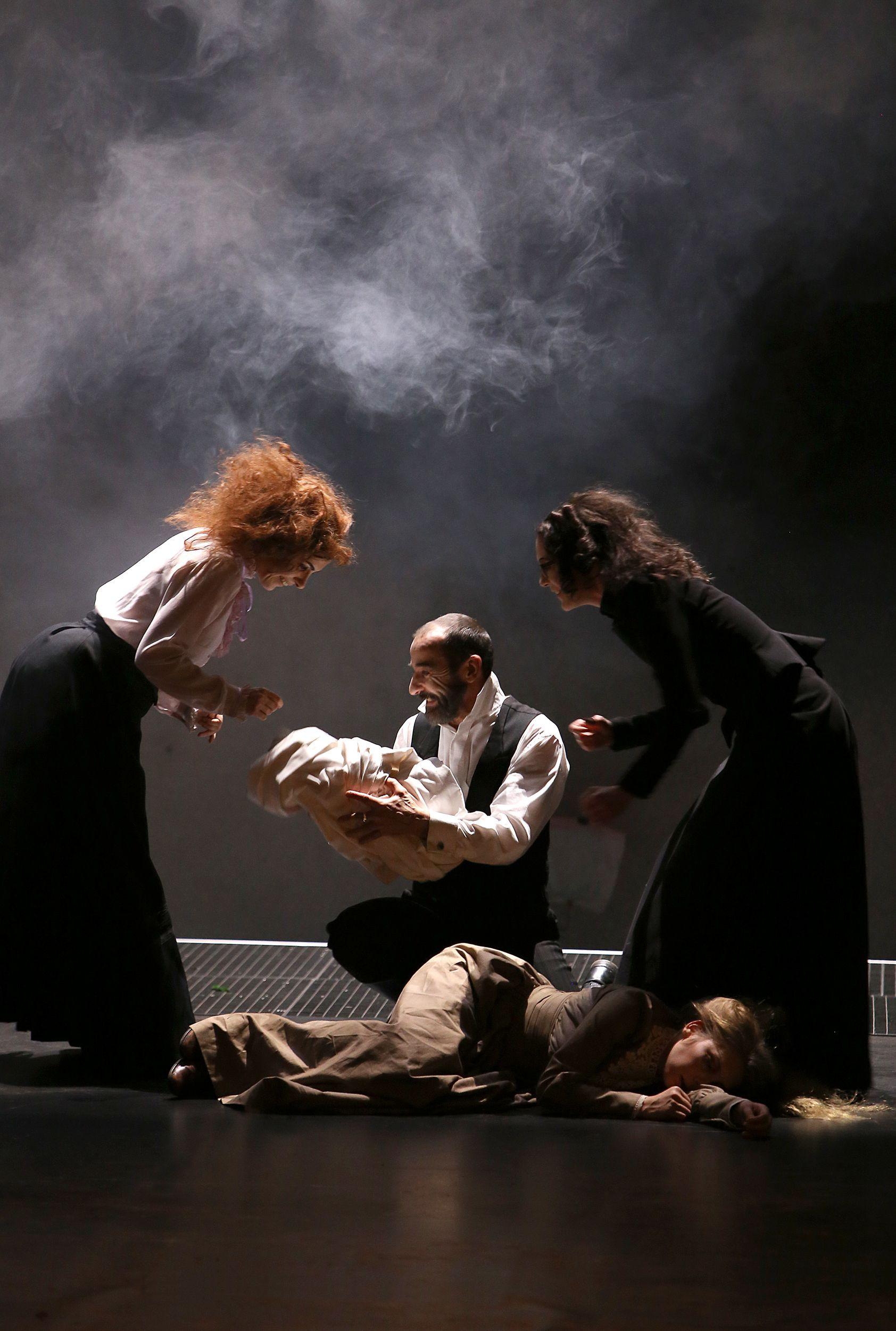Sturmhöhe am Theater Oberhausen. Foto © Birgit Hupfeld