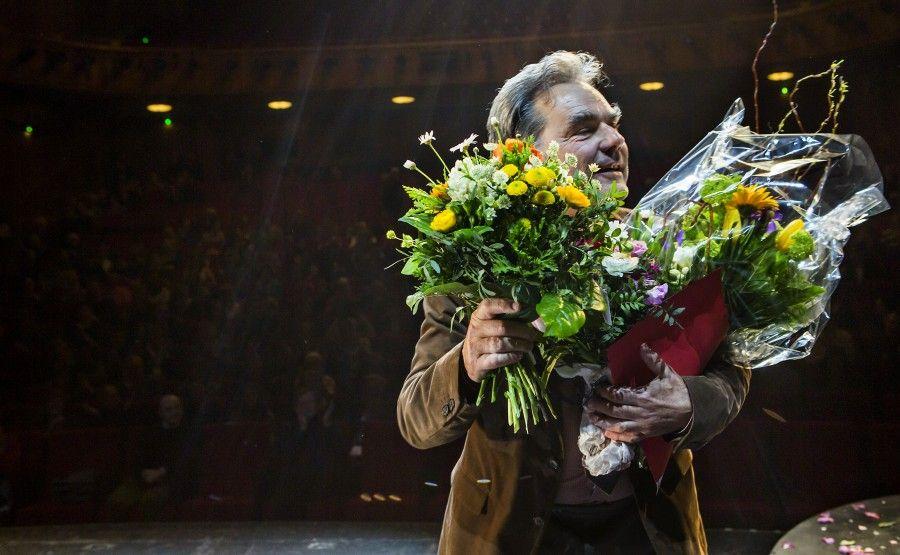 Matthias Hummitzsch, geblümt: Theaterpreisverleihung im Schauspielhaus © Rolf Arnold