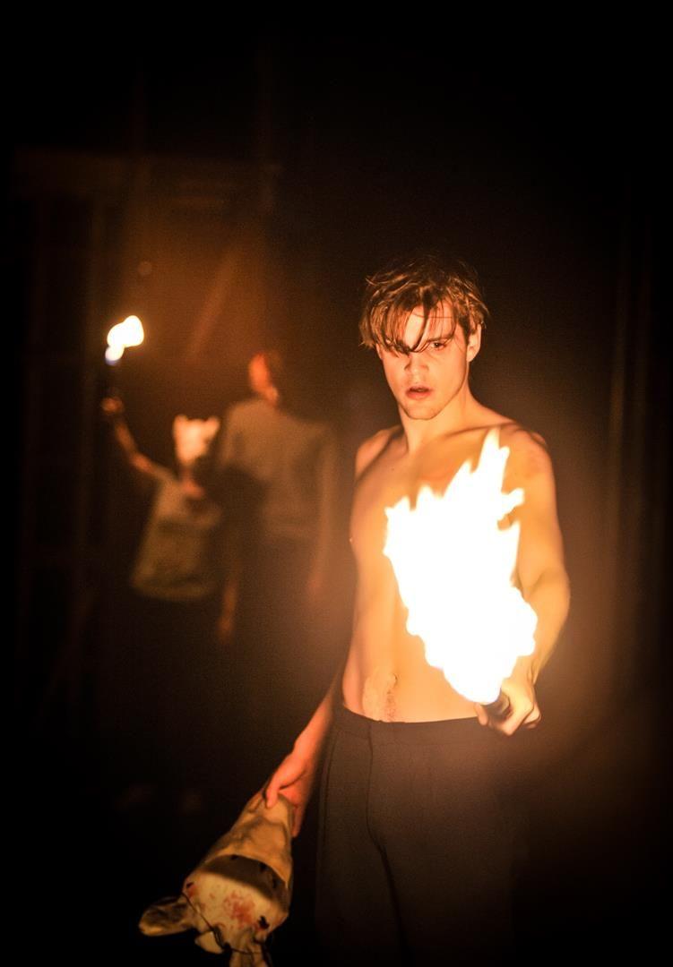 An der Liebe verbrennen. Benjamin Liliie als Romeo. © Arno Declair